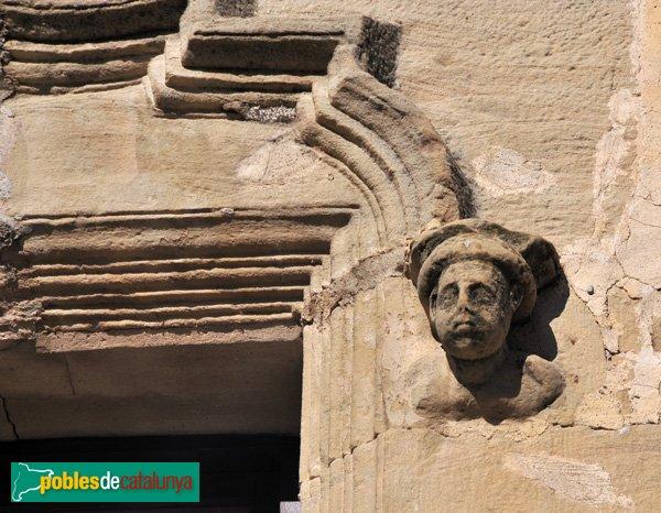 Santa Coloma de Queralt - Castell - Detall d'una de les finestres