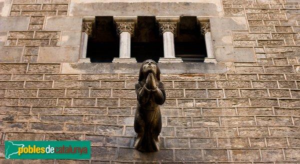 Barcelona - Sant Pere de les Puel·les: gàrgola