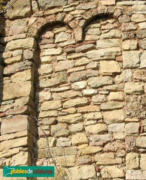 Gallifa - Església del castell, detall del claustre