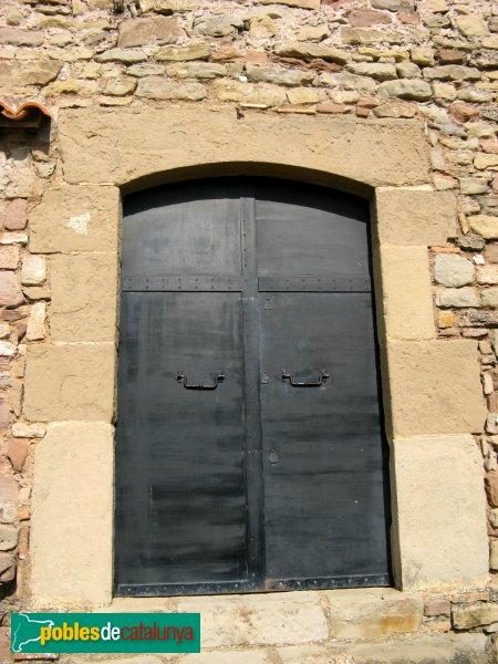 Gallifa - Església del castell, porta