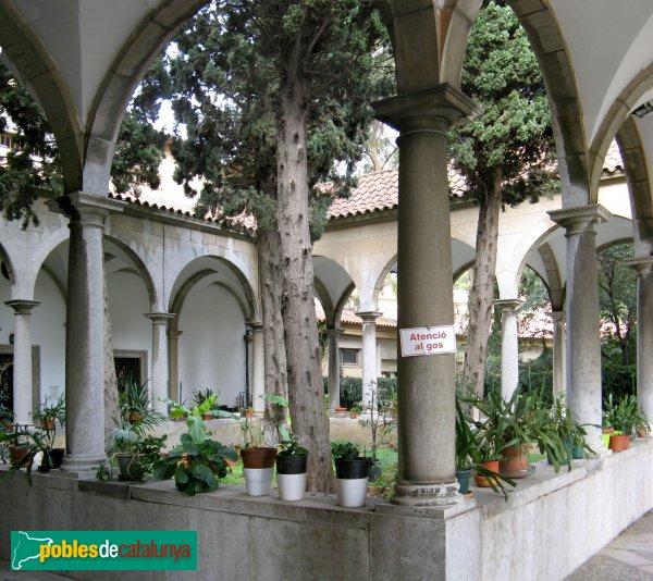 Barcelona - Església de Montserrat, claustre