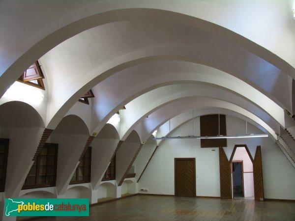 Barcelona - Porta Pavellons Güell, interior (Càtedra Gaudí)