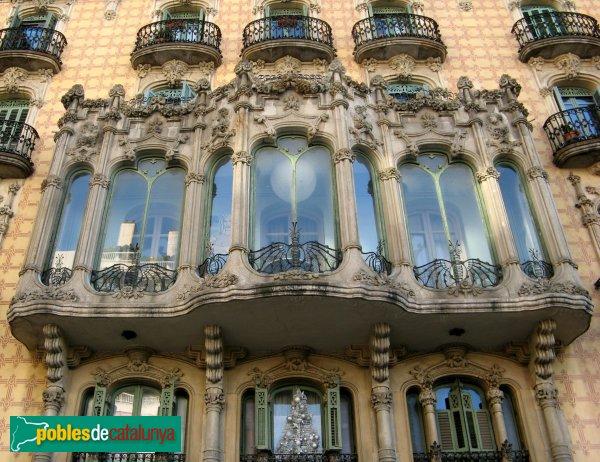 Barcelona - Lesseps, 30-32