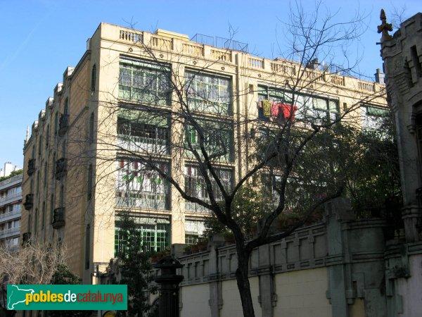 Barcelona - Lesseps, 30-32, façana posterior