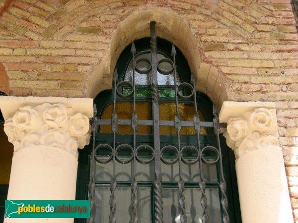 Molins de Rei - Federació Obrera, finestra