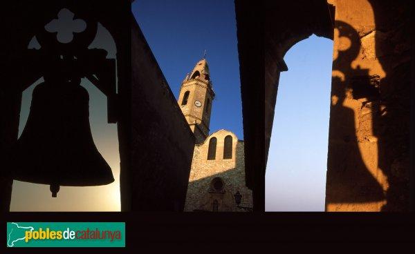 Creixell - Església de Sant Jaume, detalls del campanar