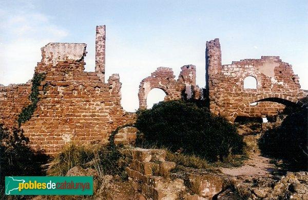 Gavà - Castell d'Eramprunyà, panoràmica general del recinte sobirà del castell