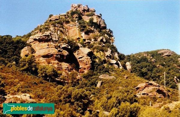 Gavà - Castell d'Eramprunyà, cingleres del castell