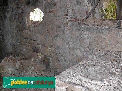 Susqueda - El Roure, forn de pa mig derruït