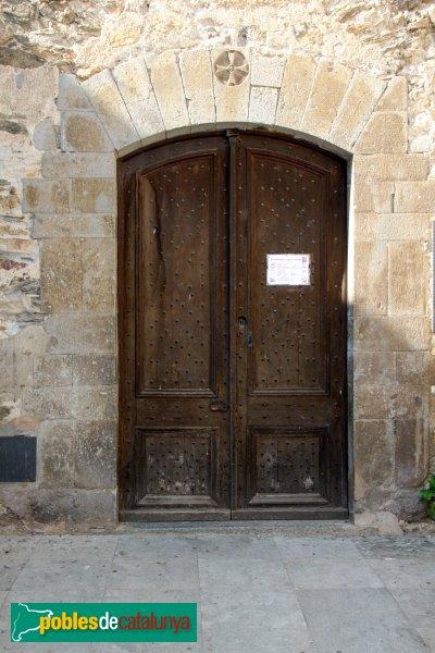 LLançà - Església de Sant Vicenç, porta lateral