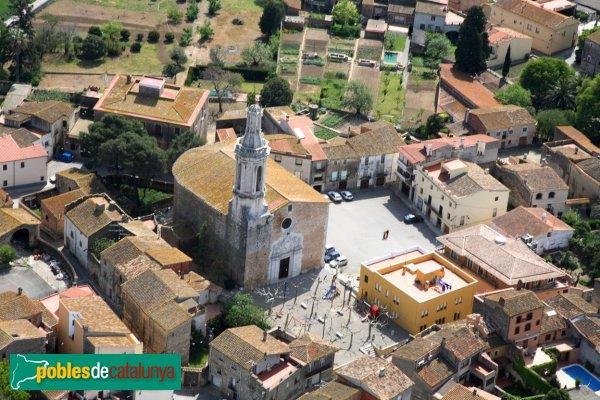 Borrassà - Església de Sant Andreu, panoràmica aèria