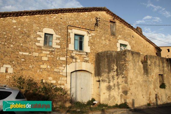 Borrassà - Casa de 1776 al carrer del Pou Comú
