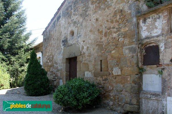 Cistella - Sant Martí de Vilarig, edifici annex i cementiri