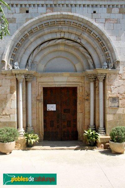 Cistella - Santa Maria de Cistella, portada romànica