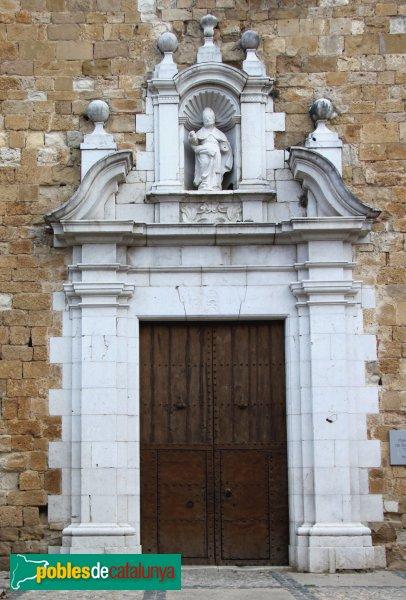 Navata - Església parroquial de Sant Pere, portada