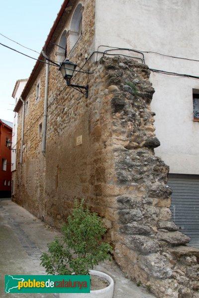 Navata - Restes de la muralla