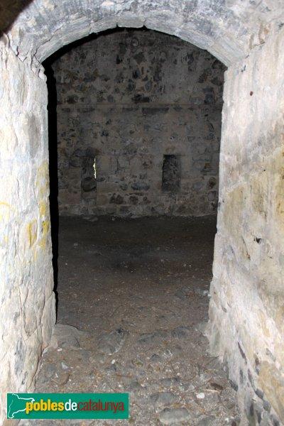 Riudarenes - Castell de l´Esparra, porta del pis inferior