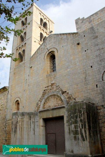 Vilabertran - Església de Santa Maria, façana principal