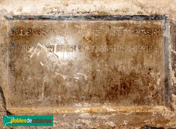 Vilabertran - Església de Santa Maria, urna amb despulles d'Alfons el Cast