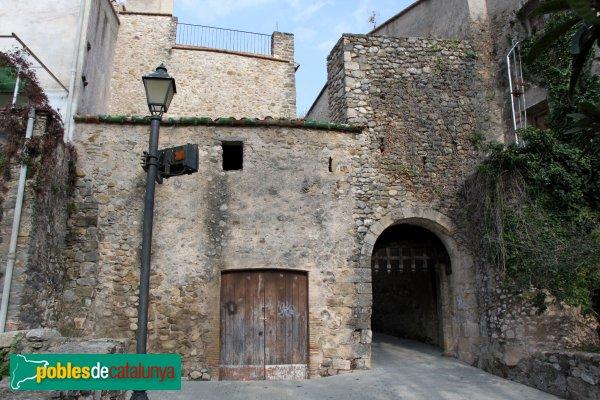 Sant Llorenç de la Muga - Portal de la Muralla