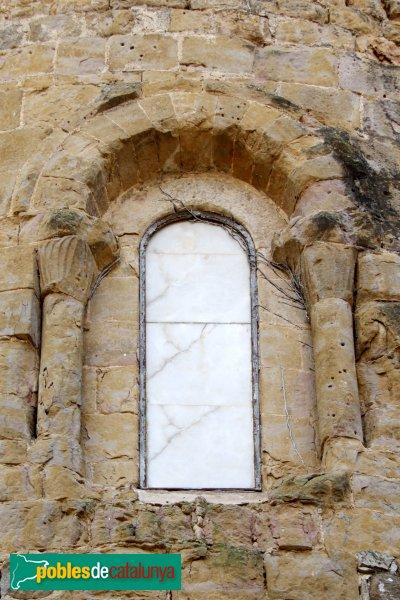 Lladó - Església de Santa Maria, finestra de l'absis