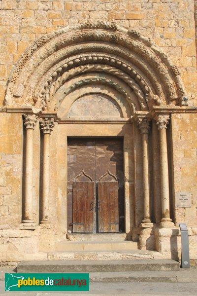 Lladó - Església de Santa Maria, portada