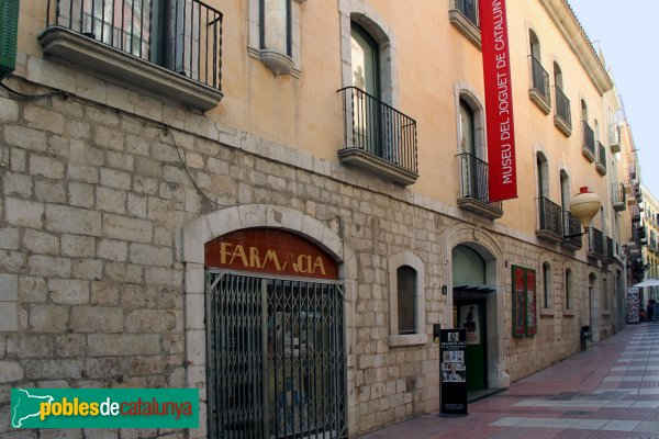Figueres - Casa Terrades, façana carrer Sant Pere