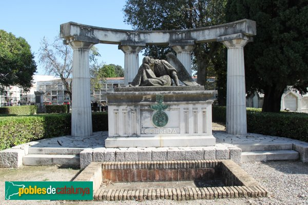 Figueres - Cementiri, sepulcre Corbera, de Manuel Fuxà