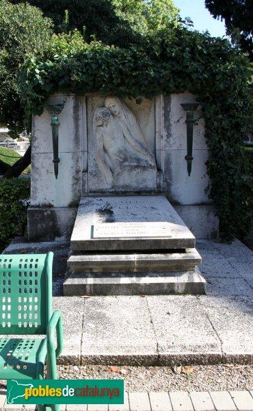 Figueres - Cementiri, sepulcre Avellana, de Frederic Marés