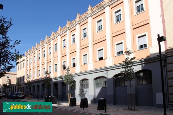 Figueres - Edifici dels Pares Paüls