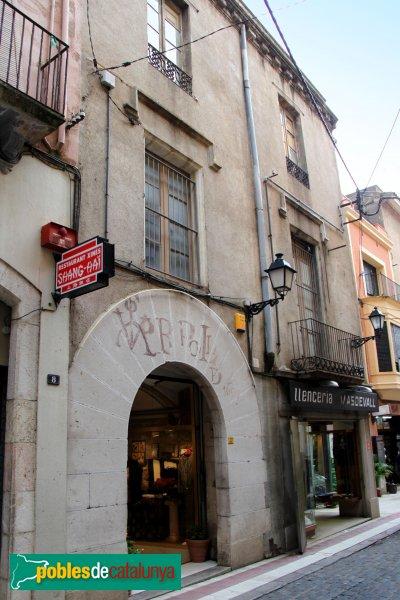 Figueres - Portal adovellat del carrer Jonquera