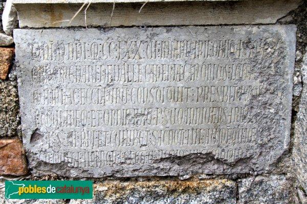 Santa Coloma de Farners - Sant Pere Cercada, làpida del segle XIII
