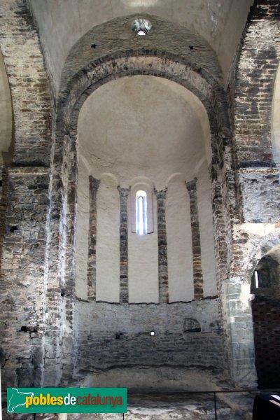 Rabós - Sant Quirze de Colera, interior del presbiteri