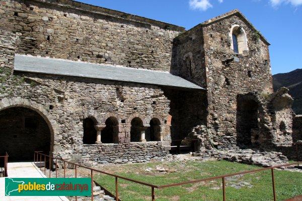 Rabós - Sant Quirze de Colera, claustre