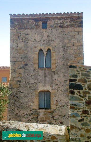 Espolla - Can Camps, detall de la torre