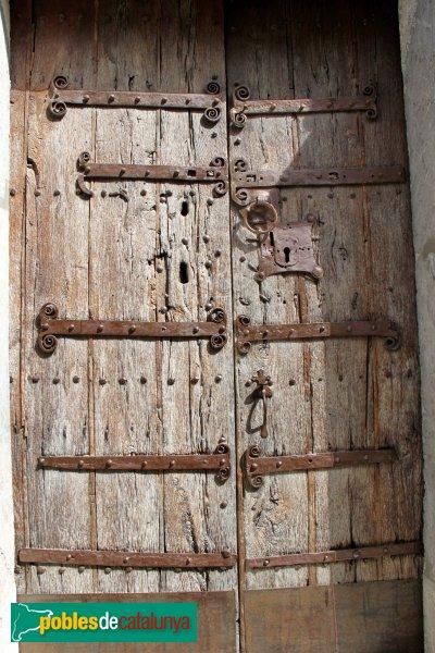Sant Climent Sescebes - Església, detall porta