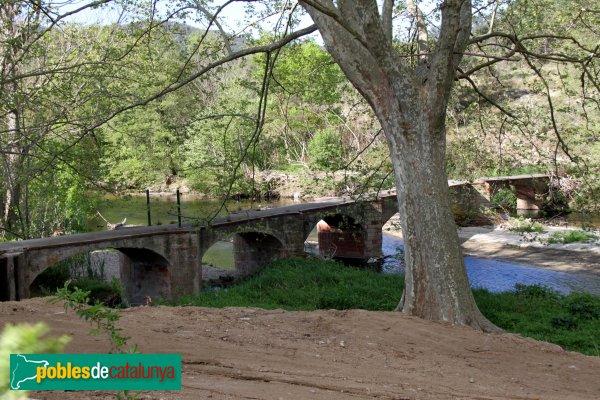 Capmany - Pont al costat de la capella de la Mercè