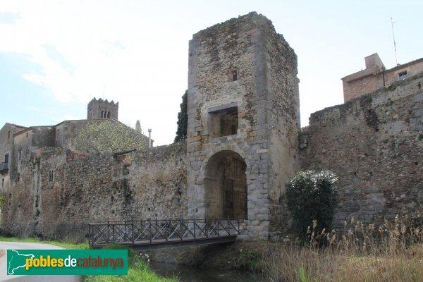 Castelló d'Empúries - Muralles i portal de la Gallarda