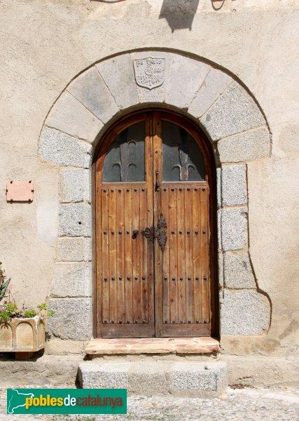 Castelló d´Empúries - Casa Ametlla, porta antiga