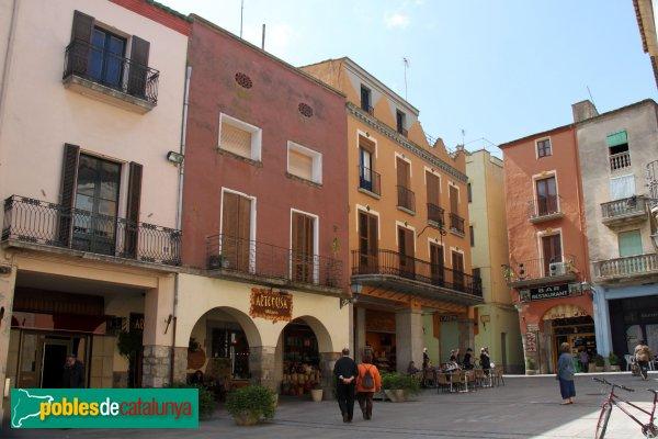 Castelló d'Empúries - Plaça dels Homes