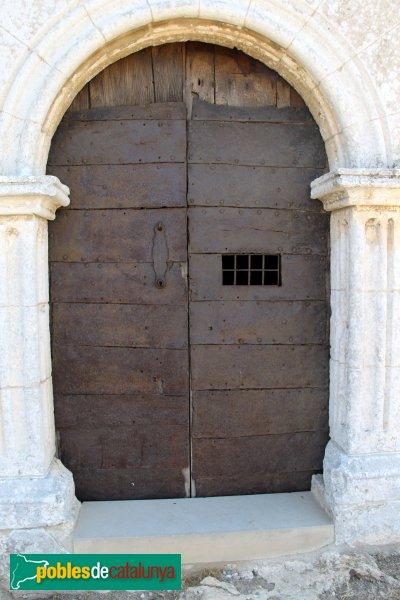 Olèrdola - Església de Sant Miquel, detall de la porta
