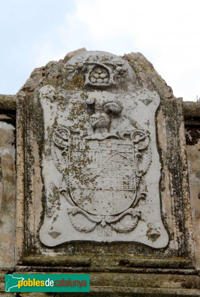 Sant Pere Pescador - Casa Caramany, escut damunt la porta