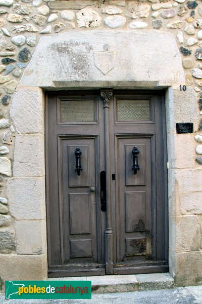 Sant Pere Pescador - Cavallers, 10