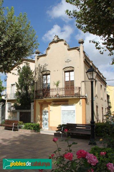 Sant Pere de Riudebitlles - Casa Montal