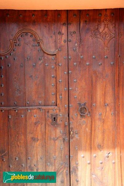 Sant Pere de Riudebitlles - Carrer Nou, porta del segle XVIII
