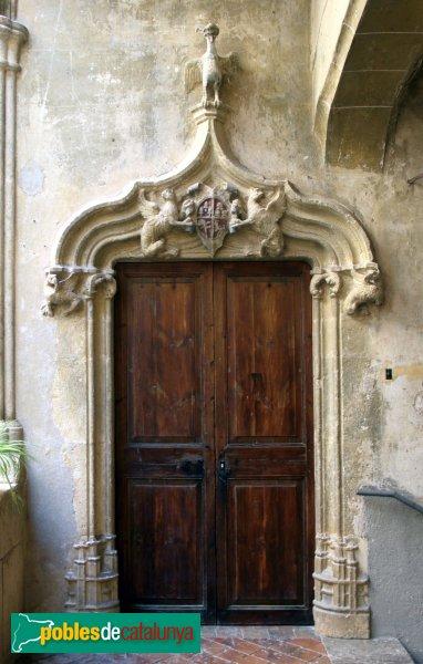 Subirats - Palau Gralla (Torre-ramona), porta a la planta noble