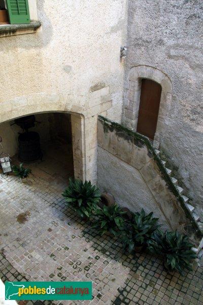 Subirats - Palau Gralla (Torre-ramona), pati interior