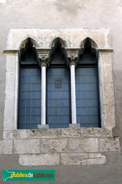 Vilafranca del Penedès - Cal Gomà, finestra lateral
