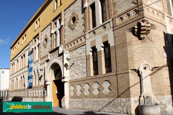 Vilafranca del Penedès - Convent de Sant Francesc, façana moderna