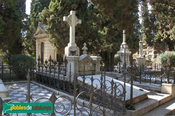 Vilafranca del Penedès - Cementiri, panteó Joan Alcover